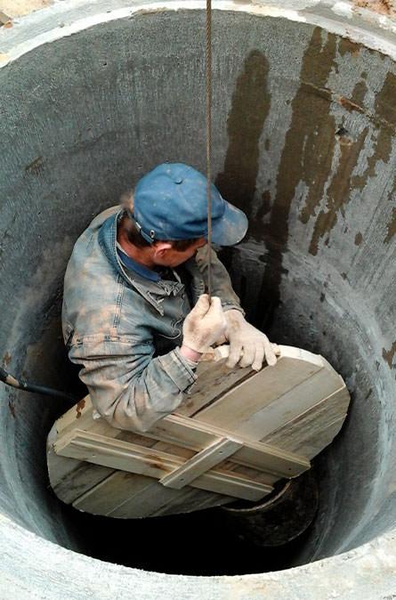 Как мы выполняем чистку колодца в Малоярославском районе